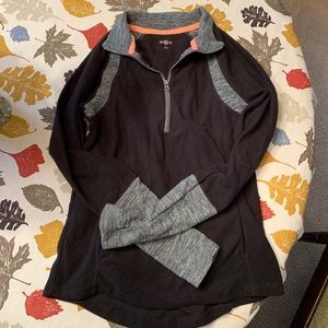 Small fleece pullover